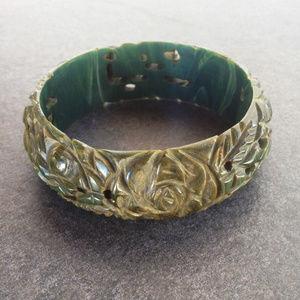Vintage Spinach Lucite Bangle Bracelet